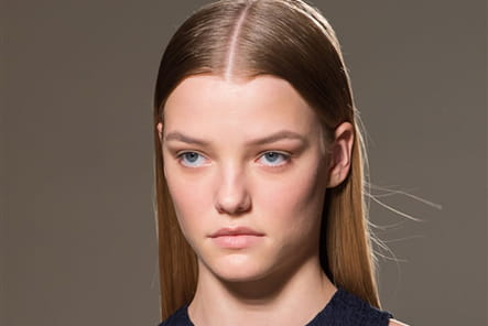 Victoria Beckham (Close Up) - photo 13