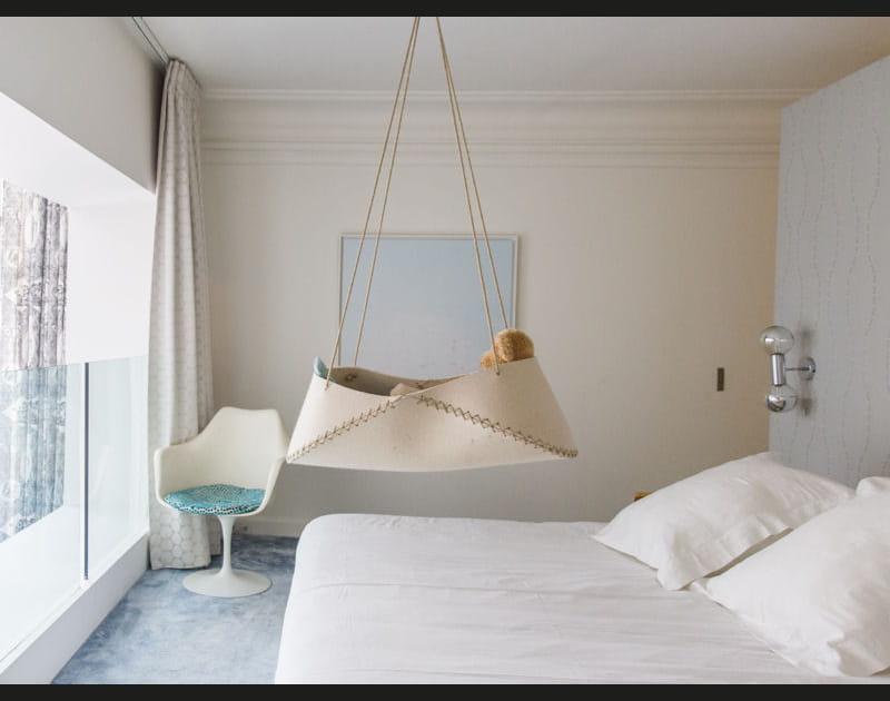 Chambre blanche minimaliste
