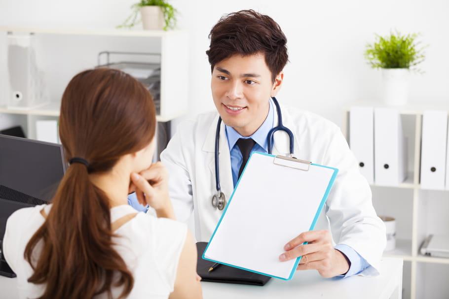Infection à Chlamydia: seul le préservatif protège!