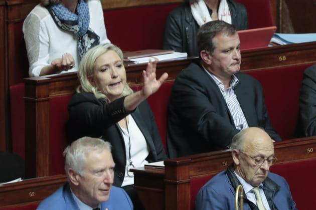Marine Le Pen en manque d'attention...