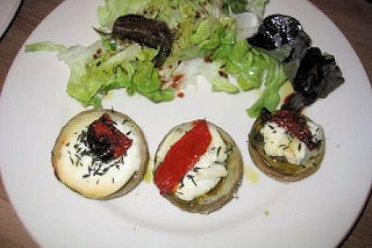Fonds d'artichaut, chèvre, pesto, tomates confites