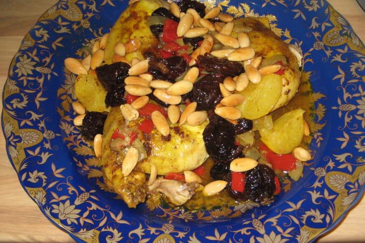 Tajine de poulet pruneaux-amandes