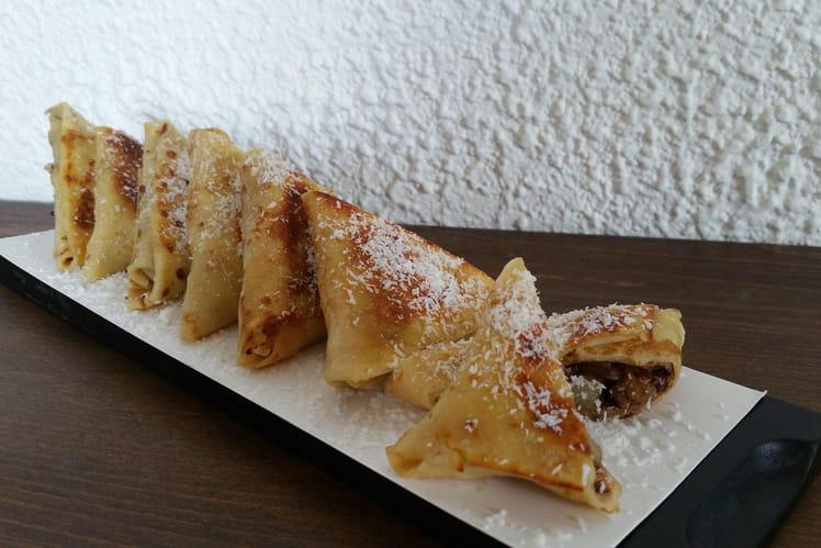 Samoussas de crêpes à l'ananas et au chocolat