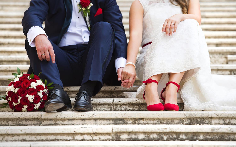 Une décoration de mariage en rouge et blanc, on ose?