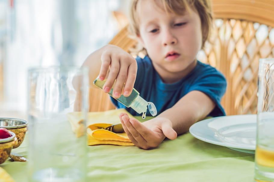 Attention au risque de gel hydroalcoolique dans les yeux des enfants