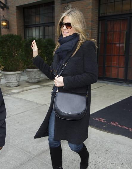 """Jennifer Aniston et son """"Trotter"""" de Céline"""