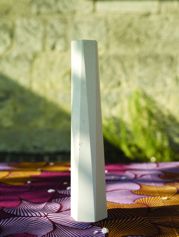 Le vase en b ton totem chez s ries limit es - Prix m3 beton fait main ...