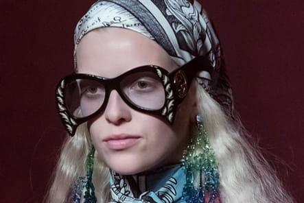 Gucci (Close Up) - photo 60