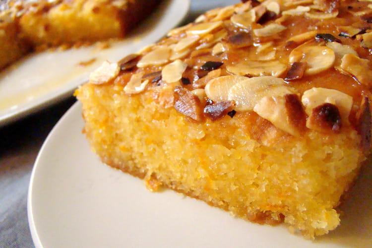 Gâteau à l'orange avec nappage aux amandes