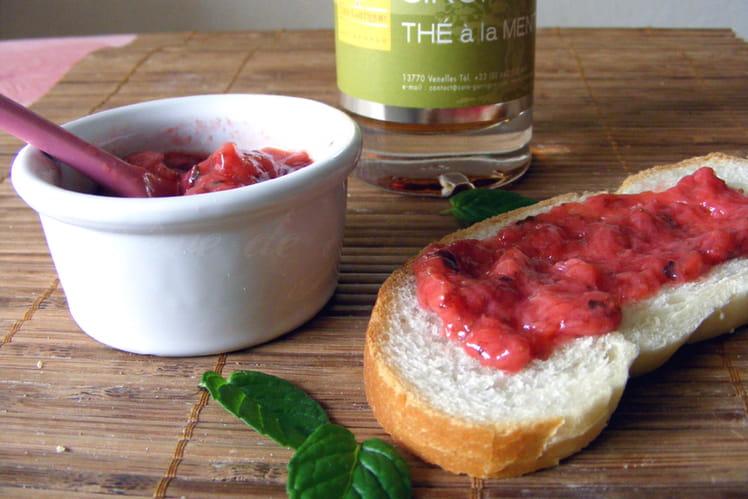 Confiture fraise-menthe à l'orientale