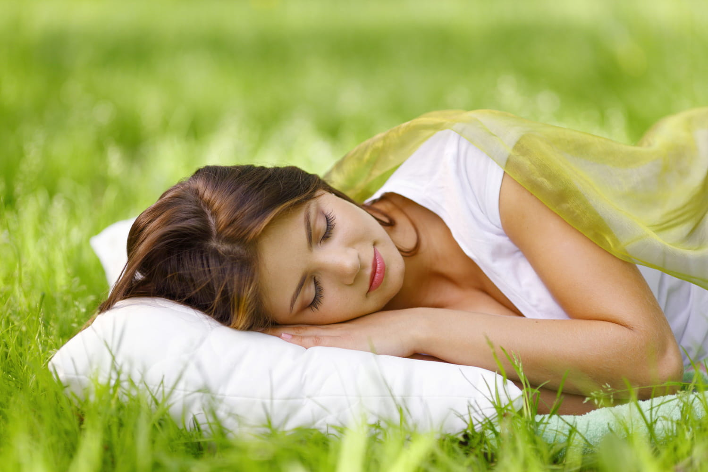 Remèdes naturels pour trouver le sommeil: insomnie, apnée, cauchemars...