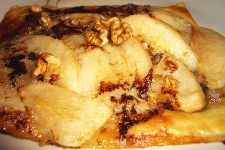 Tartelette poire, roquefort et noix