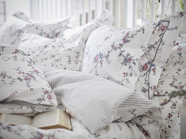 La parure de lit fleurie