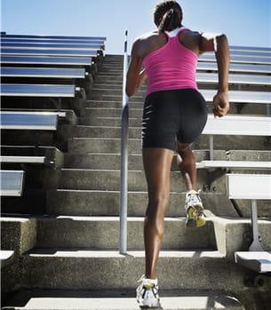 faites travailler les muscles de vos cuisses pour éviter les courbatures.