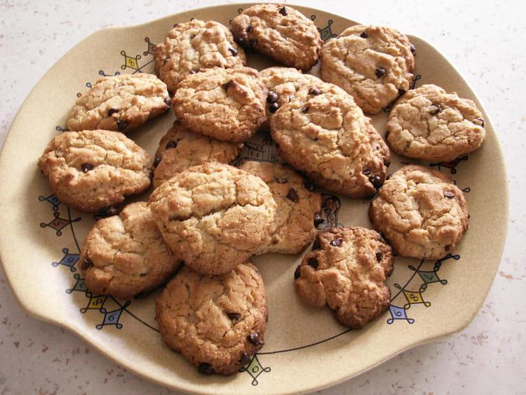recette de cookies noisettes chocolat la recette facile. Black Bedroom Furniture Sets. Home Design Ideas