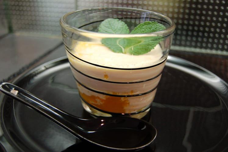 Panna cotta au lait de coco sur coulis de mangues