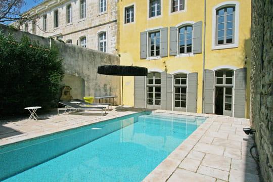 Une piscine en ville for Piscine 3 villes