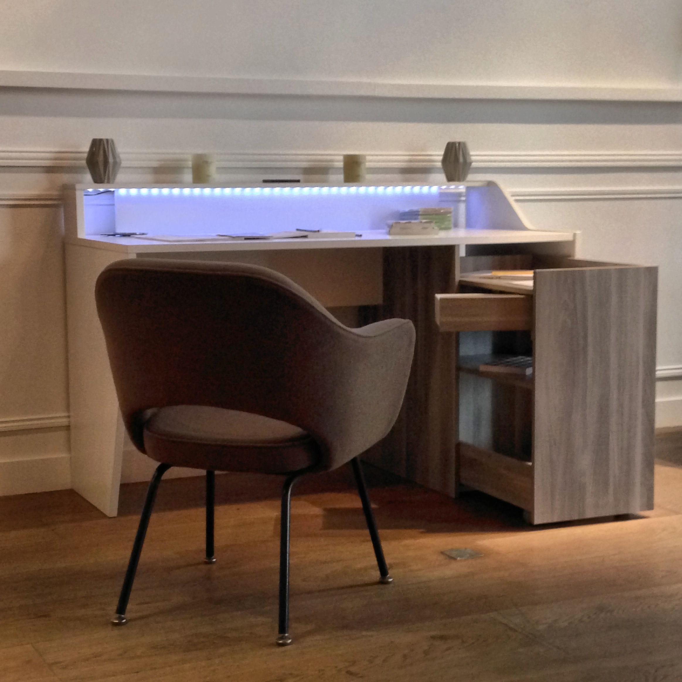 cinclou le bureau connect sign parisot et la camif. Black Bedroom Furniture Sets. Home Design Ideas