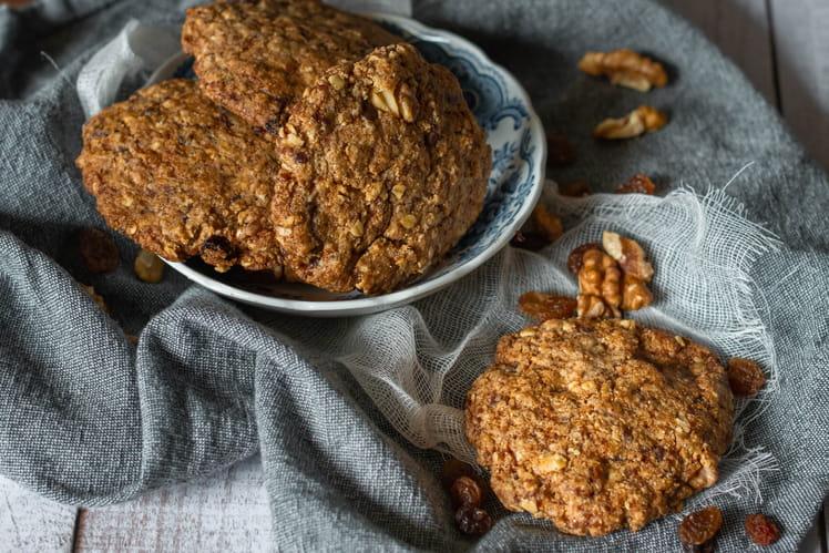 Cookies aux noix, raisins secs et cannelle