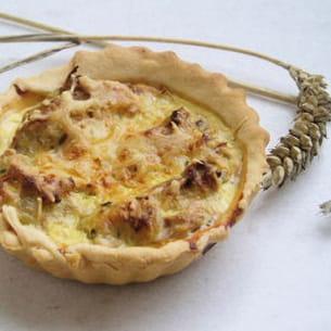 tartelette au thon, brousse et moutarde