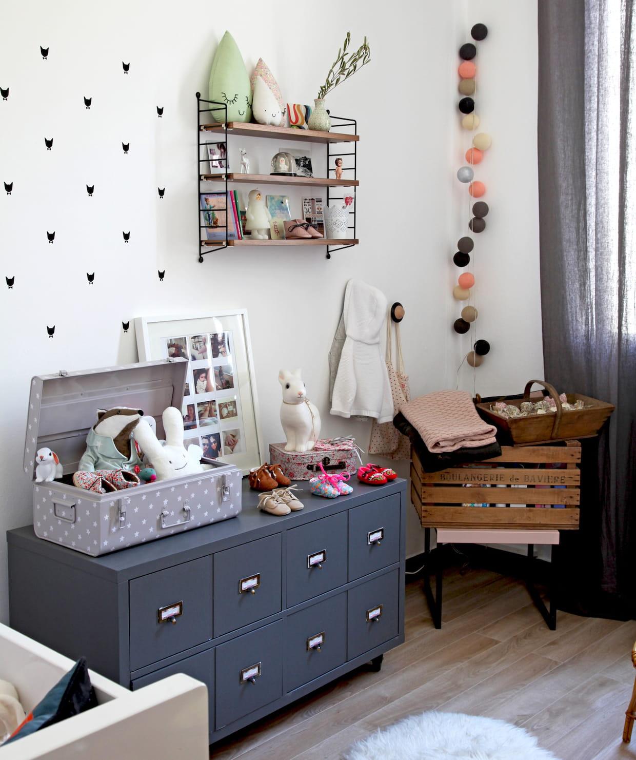 un meuble bas industriel. Black Bedroom Furniture Sets. Home Design Ideas