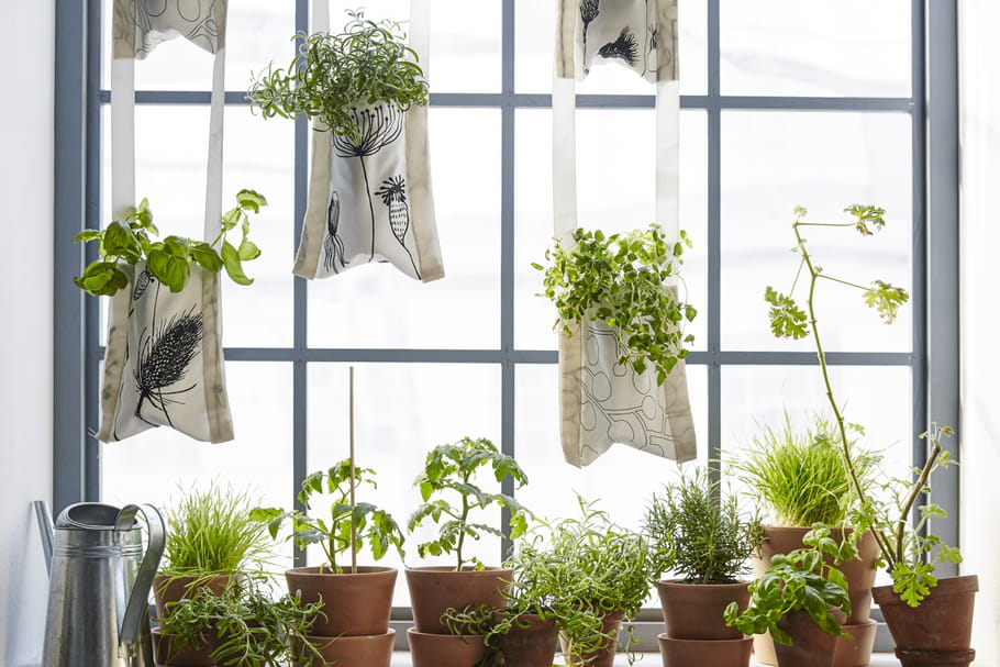 Diy des jardini res suspendues en tissu ikea for Ikea plantes