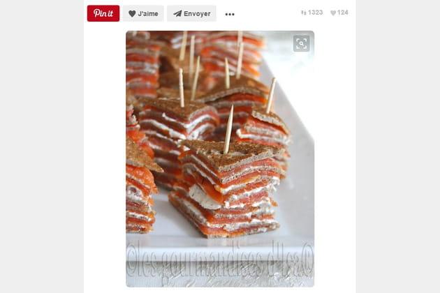 Mille-feuilles de galettes de sarrasin et saumon fumé