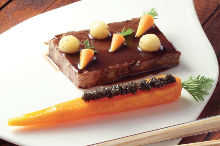 Paleron de boeuf confit, carotte fondante orange, cumin, Caviar Akitania Réserve, sauce vigneronne