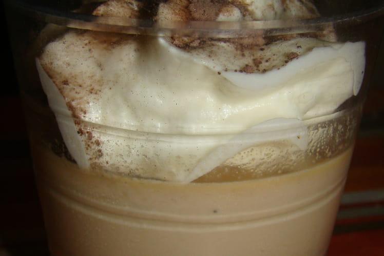 Panna cotta de cappuccino et espuma de chocolat blanc
