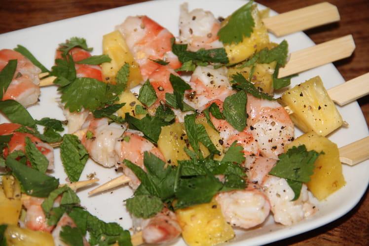 Mini brochettes apéritives crevettes et ananas