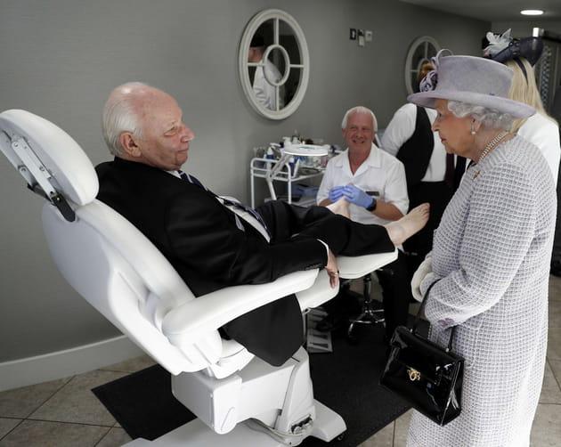 Le couple royal joue au dentiste