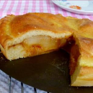 tourte briochée aux poires et caramel beurre salé