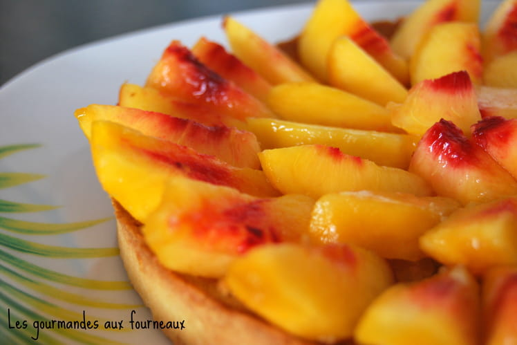 Tarte aux nectarines et à la crème d'amandes