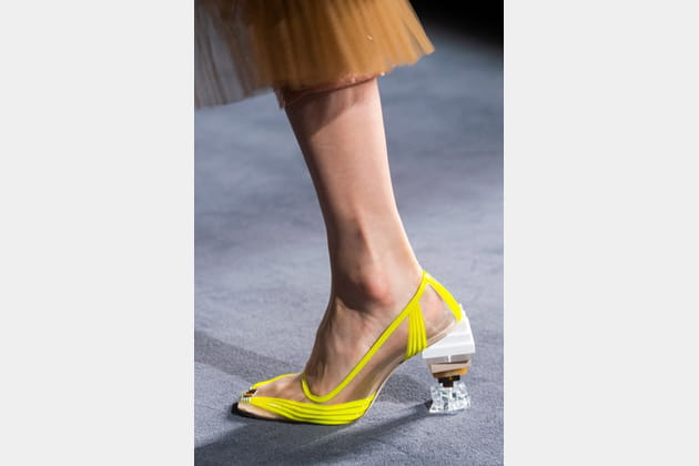 Fendi Couture (Close Up) - photo 33