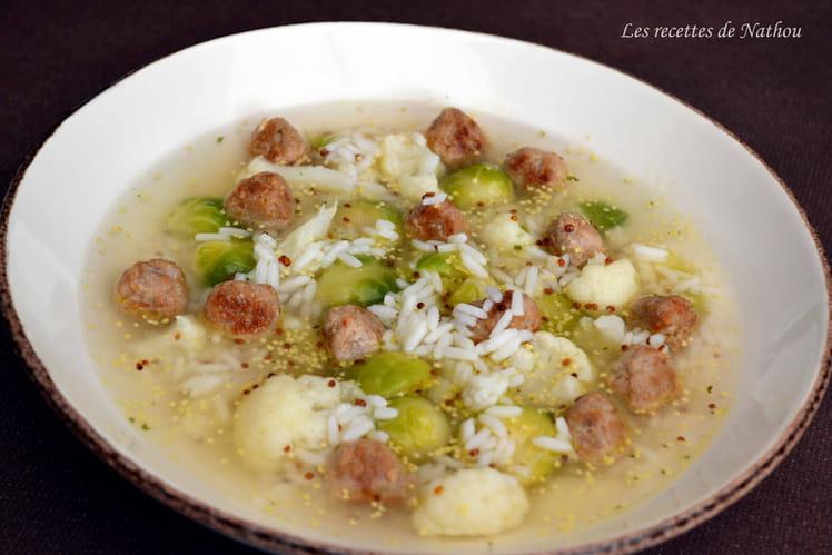 Bouillon aux deux choux, boulettes au parmesan, riz et moutarde à l'ancienne