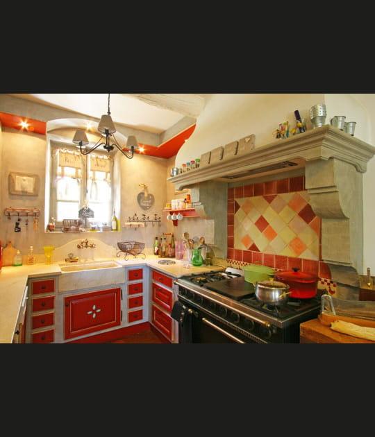 Une cuisine provençale et colorée