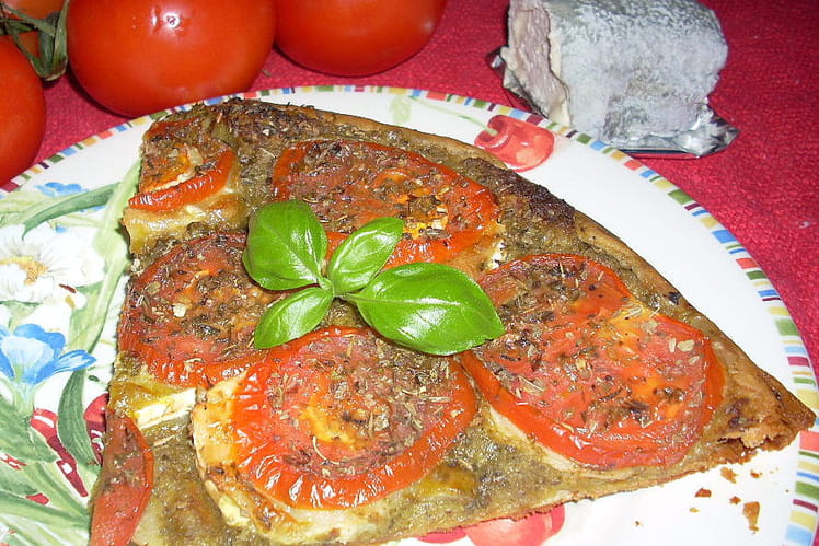 Tarte fine tomates, pesto et chèvre