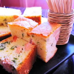 cake au saumon et à l'estragon
