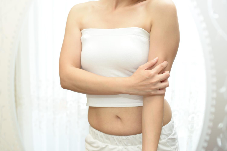 Kératose pilaire: cause, symptômes, traitement, crème