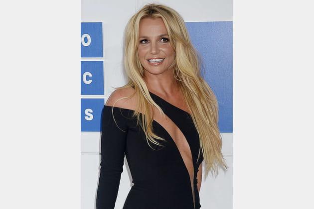 La bouche glossy de Britney Spears