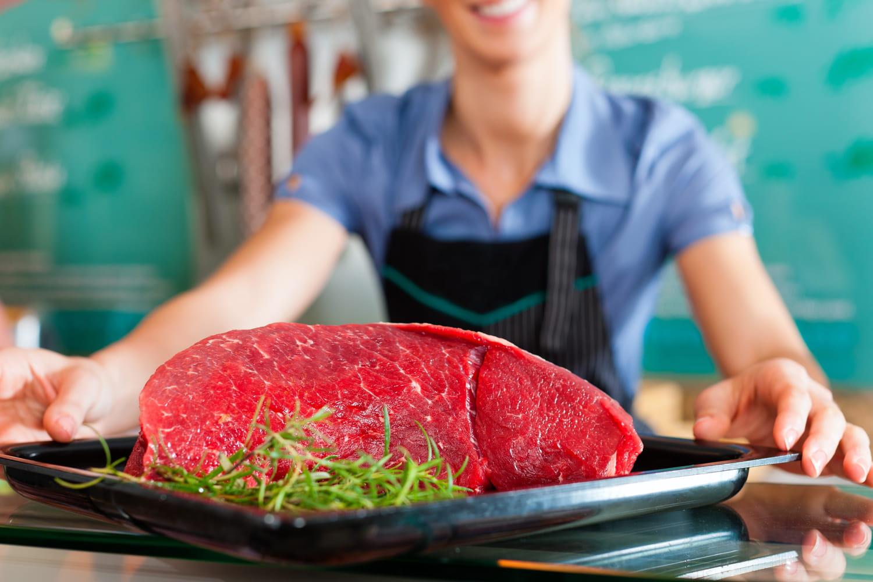 Un steak par jour augmenterait le risque de cancer colorectal