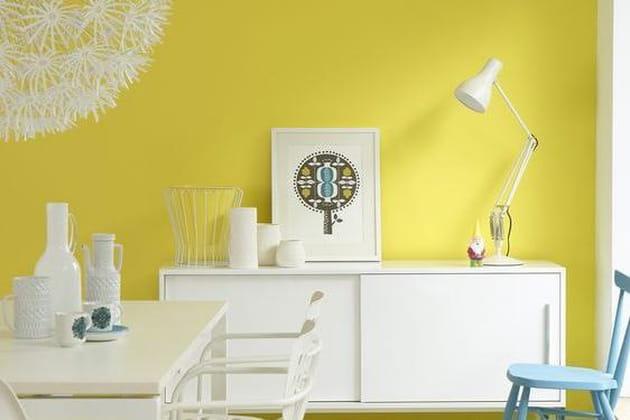 Des couleurs chaudes sur les murs du salon - Couleur chaude salon ...