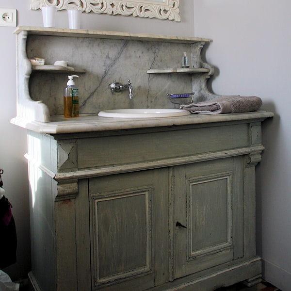 un authentique meuble de barbier. Black Bedroom Furniture Sets. Home Design Ideas