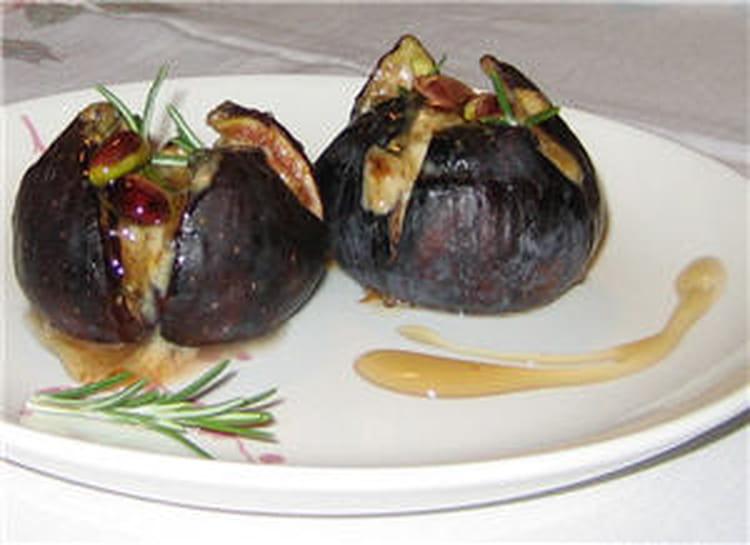 Recette de figues r ties farcies au mascarpone la recette facile - Cuisiner des figues fraiches ...
