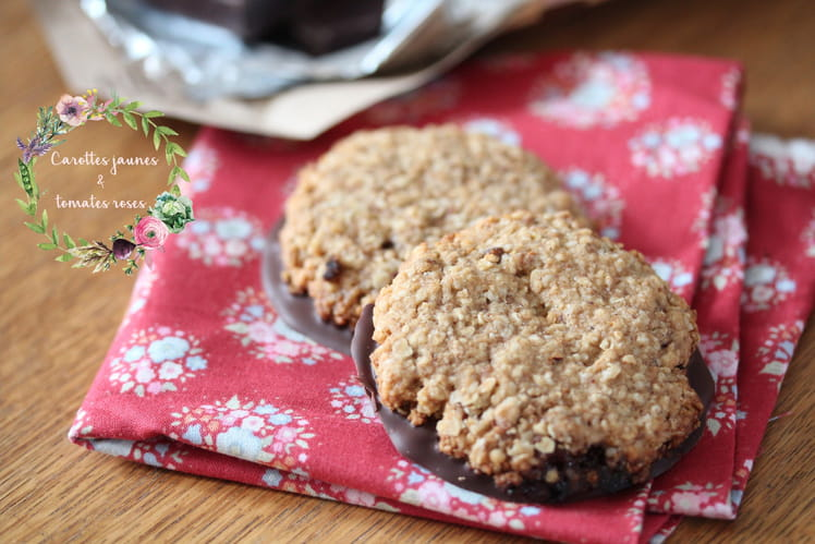 Biscuits aux flocons d'avoine, pralin et chocolat