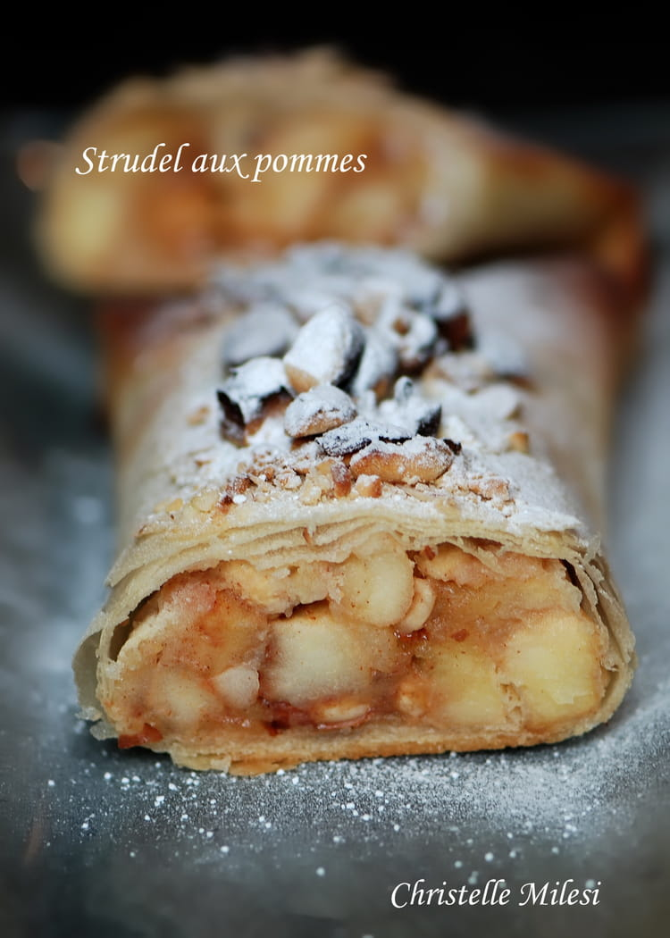 recette strudel aux pommes dessert aux fruits. Black Bedroom Furniture Sets. Home Design Ideas