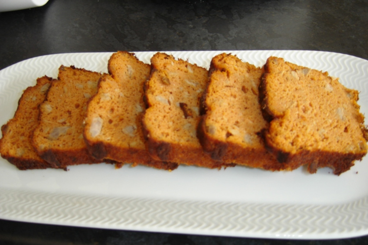 Cake au thon, tomate et fromage