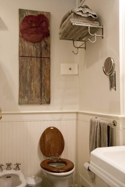 Un linge de bain couleur taupe