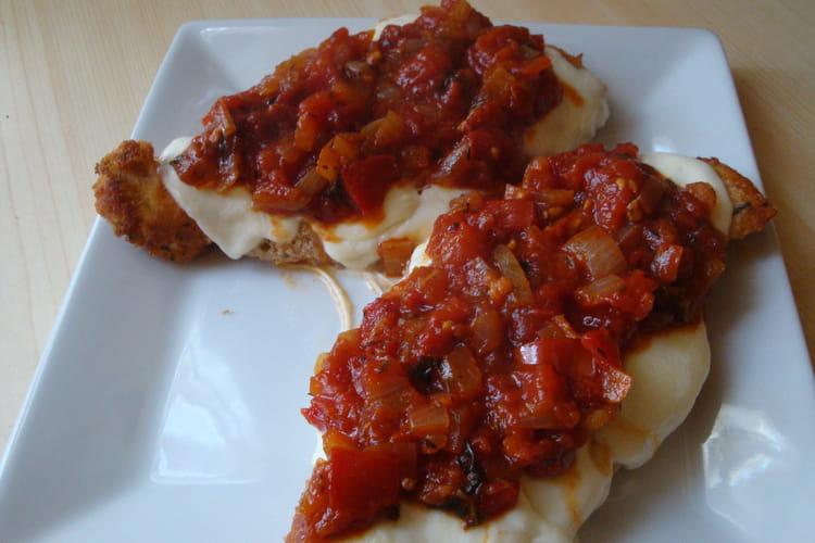 Escalopes de poulet panées et fondue de tomates