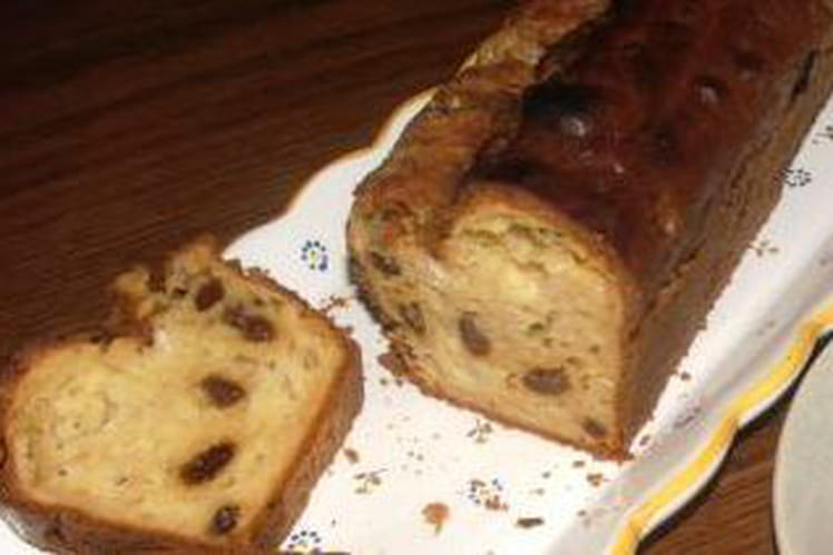 Cake au roquefort et raisins secs
